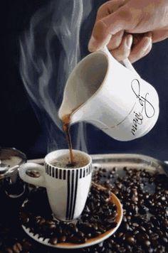 GIF by Mani Ivanov. Good Morning Coffee, Good Morning Gif, Good Morning Friends, Good Morning Greetings, Good Morning Wishes, Coffee Gif, Coffee Love, Coffee Break, Mini Desserts