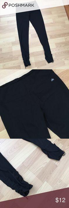 Medium Kyodan pants Great condition, medium, Kyodon pants.  So comfortable with tie at ankles. Kyodan Pants Track Pants & Joggers