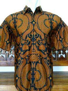 Kemeja batik motif sogan . Batik solo 75000 idr