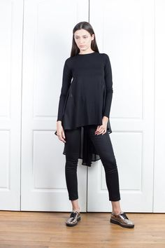 Black Top With Flare Back Asymmetrical Tunic Top Chiffon Asymmetrical Tops, Long Sleeve Tunic, Manga, Blouses For Women, Plus Size Outfits, Black Tops, Chiffon Tops, Normcore, Size Clothing