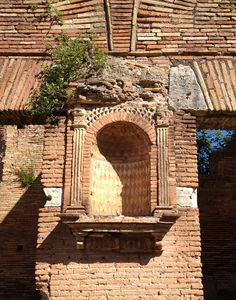 OSTIA ANTICA - great example of Roman brick work in different patterns