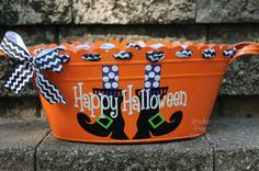 A great accessory to display in your home during the Halloween Season. A fabulous bucket to hold your candy in for the Trick or Treaters.