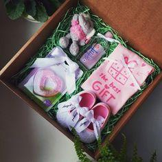 9 отметок «Нравится», 2 комментариев — UtiPutiBox подарки (@utiputibox) в Instagram: «Если вы в поиске подарка для новорожденной девочки, то обратите внимание на наш BabyBox. Мы не…»