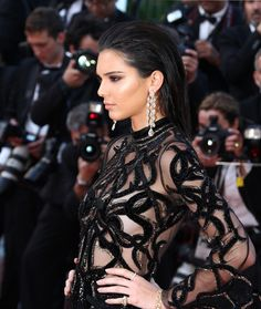 The stars have chosen diamond chokers, rows of solitaires and statement palm necklaces so far for the red carpet. The pieces that caught our magpie eye at the Cannes Film Festival. Kendall Jenner, Diamond Choker, Best Diamond, Crystal Drop, Facon, Cannes Film Festival, Red Carpet, Zoom, Chopard