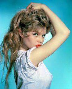Annex - Bardot, Brigitte_02.jpg 1,600×1,982 pixels