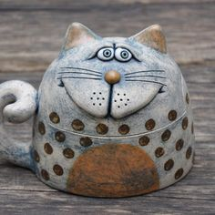 Pottery Animals, Ceramic Animals, Clay Animals, Ceramic Pottery, Ceramic Art, Pottery Houses, Clay Cats, Cement Art, Pottery Painting Designs