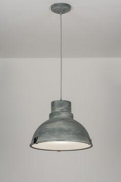 Industriële hanglamp in een beton-grijze uitvoering. Deze hanglamp heeft een stoer, industrieel ontwerp met een enigszins doorleefd uiterlijk! Shop nu via deze Link bij : http://www.rietveldlicht.nl/artikel/hanglamp-72052-modern-retro-industrie-look-metaal-grijs-rond .. Vintage style