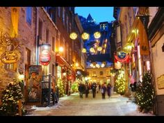 Québec City lights up for Holidays! Old Québec is transformed into a real Christmas village, just like out of Charles Dickens's novel « A Christmas Carol » where lights, decorations, and snow create an enchanting setting like no other.