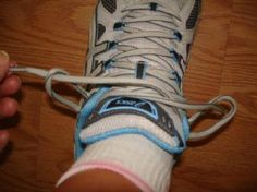 Running Shoes - different lacing method to get rid of shin splints
