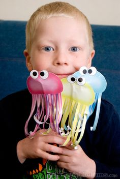 Three Jelly Fish printable puppets... and a quick video of us singing the song in case you don't know it!