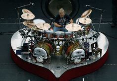 Frank Beard is the drummer in the American rock band ZZ Top. Frank Beard is notable as being the only musician in the band without a long beard, an ironic fact considering his last name. Frank Beard, Zz Top, Dope Music, Drum Kits, Classic Rock, Musical, Drums, Music Instruments, Acoustic