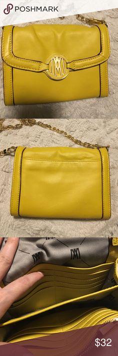 Crossbody purse Pretty yellow little purse with gold tone hardware and detachable strap. Perfect condition. 👝🌟 ANTONIO MELANI Bags Crossbody Bags