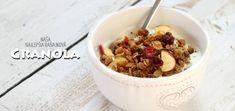 Naša najlepšia raňajková granola - Coolinári | food blog Granola, Christmas Cookies, Cereal, Oatmeal, Breakfast, Blog, Xmas Cookies, The Oatmeal, Morning Coffee