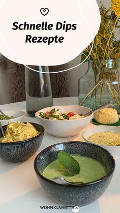 Schnelle Dips sind das, was ein Essen erst so richtig köstlich machen. Sei es beim Grillen, bei der Brotzeit oder zum Gemüse am Abend. Von leckeren Dips kann man einfach nicht genug haben. Wir verraten Dir 3 leckere Rezepte. Vegan, Serving Bowls, Tableware, Kitchen, Crickets, Amazing, Food And Drinks, Dinnerware, Cooking