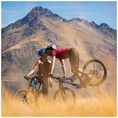 Mountain biking love! Cute couple