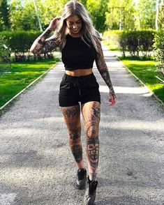 #girlswithtattoos #inked