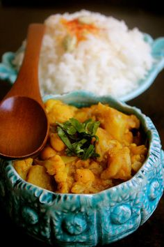 CAULIFLOWER CHICKPEA COCONUT CURRY | say that four times fast... or just eat it {plant-based, vegan, gluten free}