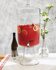 Easy Summer Cocktails: Patio Punch http://www.instyle.com/instyle/package/general/photos/0,,20604416_20484559_20941773,00.html