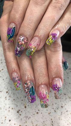 Encapsulated Dried Flowers. Garden Nails. Cute Nail Art, Gel Nail Art, Cute Nails, Pretty Nails, Polygel Nails, Dry Nails, Hair And Nails, Encapsulated Nails, Nail Salon Decor