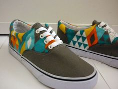Geométrico I Zapatillas pintadas a mano