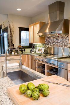 Contemporary Kitchen, Stainless Steel Appliances, Interior Design. Designer: Kristin Okeley, ASID, CKD, Kitchens By Design www.mykbdhome.com