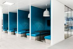 70 Ideas for booth seating office interiors Corporate Interior Design, Modern Office Design, Corporate Interiors, Office Interiors, Commercial Office Design, Office Designs, Office Cube, Office Pods, Best Office