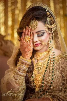 Bridal makeup plays a significant role in giving you the wedding look of your dreams. That is why we are here with the different types of bridal makeup to give you the best bridal look of Pakistani Bridal, Bridal Lehenga, Indian Bridal, Pakistani Girl, Indian Muslim Bride, Muslim Brides, Muslim Couples, Bridal Outfits, Bridal Dresses