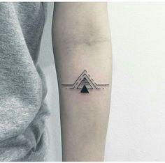 Tattoos for men Cool Arm Tattoos, Dream Tattoos, Forearm Tattoo Men, Mini Tattoos, Leg Tattoos, Arm Band Tattoo, Body Art Tattoos, Tatoos, Arrow Tattoos