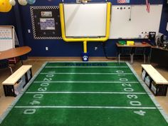 27 All-Star Ideas for a Sports-Themed Classroom 27 Great Ideas for a Sports Classroom Theme - WeAreTeachers Source by . Sports Theme Classroom, Classroom Setup, Classroom Design, Future Classroom, Classroom Organization, Sports Classroom Decorations, Sports Decor, Class Decoration, School Decorations