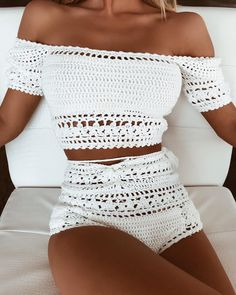 The cutest crochet set ✨ Desire Crop & Bottom - Art Tutorial and Ideas Motif Bikini Crochet, Débardeurs Au Crochet, Crochet Bikini Bottoms, Mode Crochet, Crochet Crop Top, Crochet Tops, Crochet Pattern, Crochet Clothes, Diy Clothes