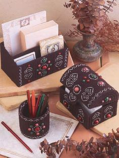 Plastic Canvas - Accessories - Decorations & Knickknacks - Filigree Desk Set - #FP00024