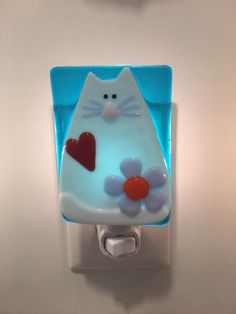 Handmade Fused Glass Night Light - White Cat Lover - Blue Background by BFisherCreations on Etsy (null)