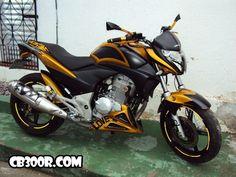 Cb 300, Cool Bikes, Honda, Motorcycle, Vehicles, Aldo, Bicycles, Creative Photography, Hs Sports