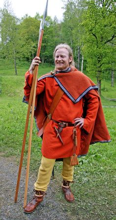 Nice, I like the orange and yellow on this Viking ensemble