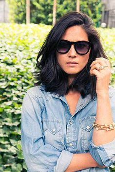 10 Sophisticated and Sexy Short Hairstyles: #7. Olivia Munn Straight Short Hair