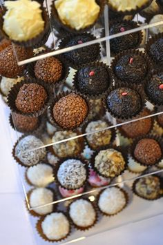 Gourmet Brigadeiro by Miss Apple's Sweets - Photo: Melissa Becker  http://brummiebr.com/2013/06/29/o-doce-sabor-local-no-futurefoodies/