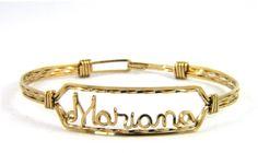 Confectionat litere sau inscriptionat nume pe bratai si lanturi de aur sau argint