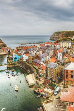 Staithes, England | Jon Parkes, posted by wnderlst