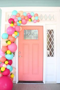 Learn how simple it is to make a balloon garland for your front door using this easy tutorial. Wow your guests at your next party with your own balloon garland. 30th Birthday Decorations, Balloon Decorations, Birthday Parties, Fruit Birthday, Balloon Ideas, Birthday Board, 80th Birthday, Unicorn Birthday, Birthday Ideas
