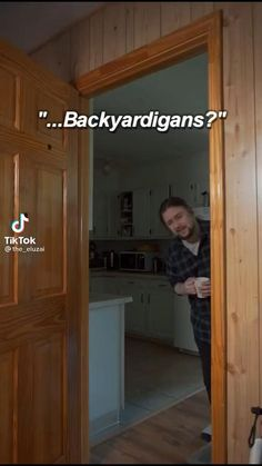 Crazy Funny Videos, Funny Video Memes, Really Funny Memes, Stupid Funny Memes, Funny Laugh, Wtf Funny, Funny Relatable Memes, Hilarious, Cool Music Videos