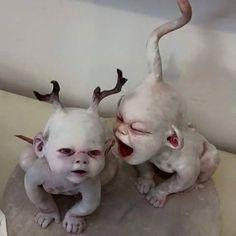 Art dolls sculptures by Dustin Poché Halloween Doll, Creepy Halloween, Halloween Crafts, Bloody Halloween, Art Sinistre, Images Terrifiantes, Creepy Baby Dolls, Zombie Dolls, Haunted Dolls