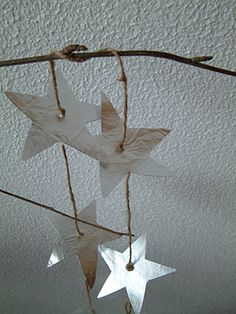 Upcycled Foil Coffee Bags - Star Mobile Could do birds, or trees, fish, list is endless. Christmas Snowflakes, Winter Christmas, Christmas Crafts, Christmas Decorations, Christmas Ornaments, Christmas Stuff, Tree Crafts, Decor Crafts, Mobiles