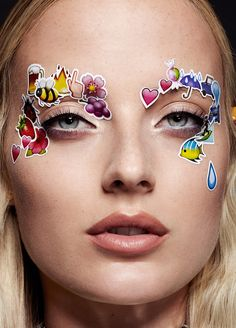 stickers-on-face-makeup.jpg 1,077×1,500 pixels