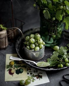 Food-borne Illnesses Prevention for Healthy Eating Breakfast Photography, Dark Food Photography, Fruit And Veg, Fruits And Veggies, Green Fruit, Food Design, Food Styling, Yennefer Of Vengerberg, Greens Recipe