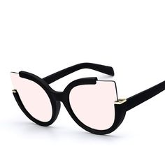 A fun bold and rounded oversize frame that utilizes a cat eye silhouette shape…