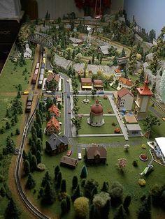 z scale model train layout