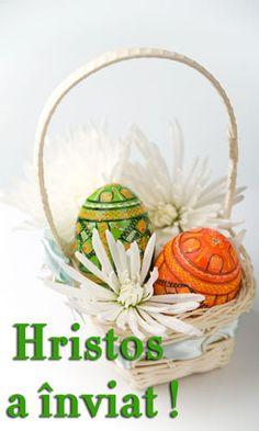 Wicker Baskets, Wreaths, Home Decor, Decoration Home, Door Wreaths, Room Decor, Deco Mesh Wreaths, Home Interior Design, Floral Arrangements