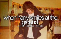 BUT WHEN YOU SMILE AT THE GROUND IT AINT HARD TO TELL YOU DONT KNOW OH-OH! YOU DONT KNOW YOUR BEAUTIFUL! ♥