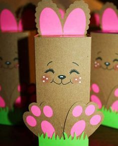 Celebrate Easter with these fun and easy easter crafts. There are craft ideas for adults and kids. From mason jar crafts to paper crafts, there are all kinds of creative easter crafts here. You can make bunnies, chicks, Easter egg crafts and much more! Mason Jar Easter Crafts Easter Egg Mason Jars from Mason Jar Crafts Easter …
