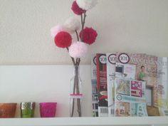 bloemen knutselen kind zelf maken diy lente huis wol how to takken vaas masking tape interieur